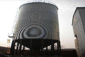 装配仓的壁板成波纹状图片