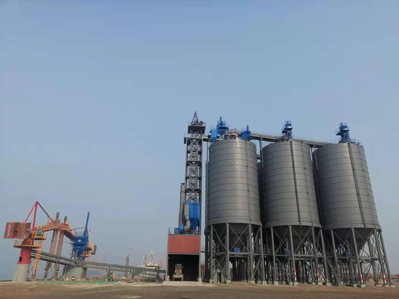 德通承建的潍坊港六座3500吨全钢焊接水泥库投入使用